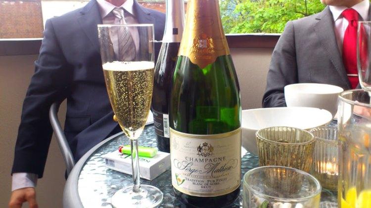 Champagne og slips