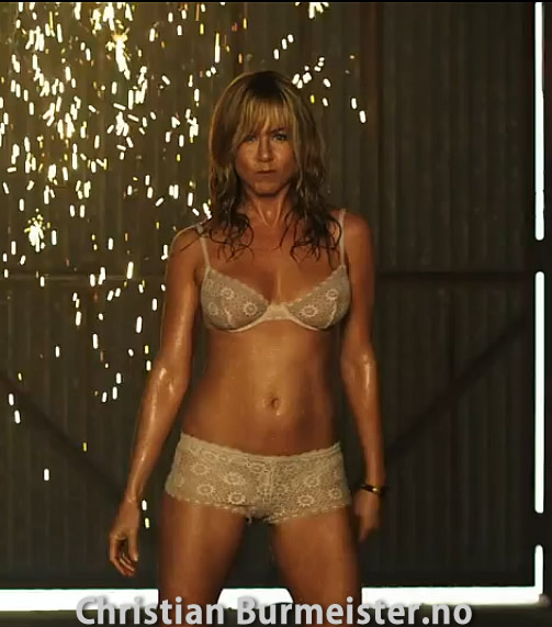 Jennifer Aniston in sexy underwear - We are the Millers