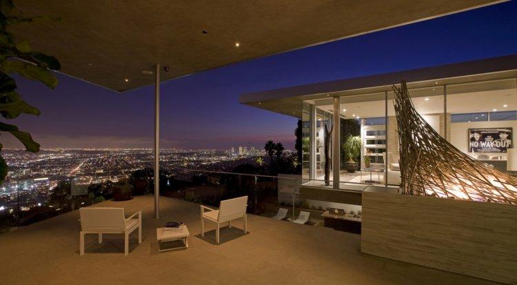 avicii sitt hus utsikt på natten