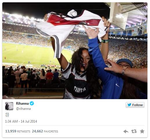 Rihanna - Twitter, Ozil sin drakt