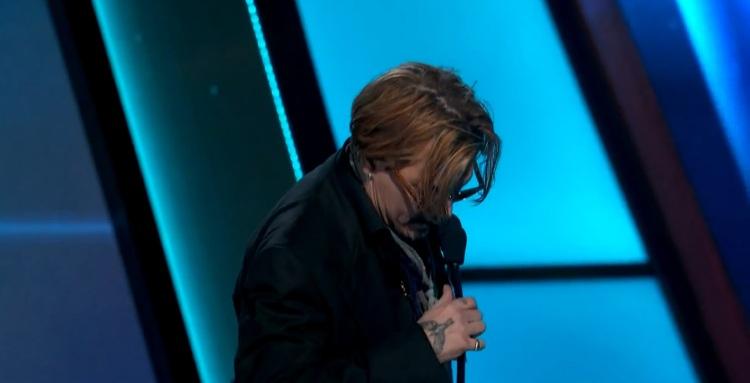 Johnny Depp drita