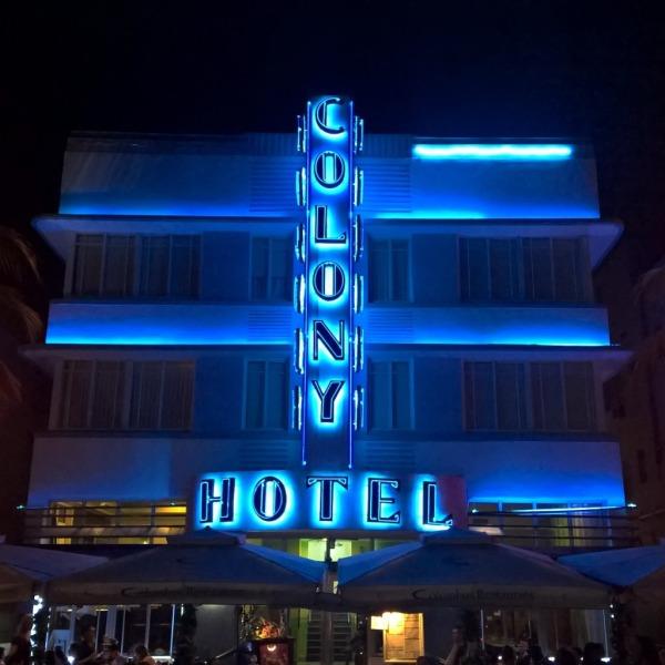 11.04.15 - Blått hotell i Miami