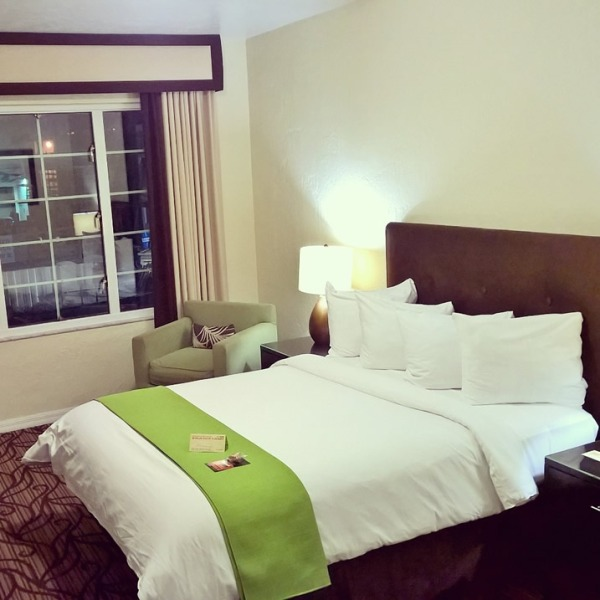 11.04.15 - Essex House Hotel Miami
