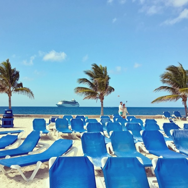 15.04.15 - Coco Cay, utsikt mot båten