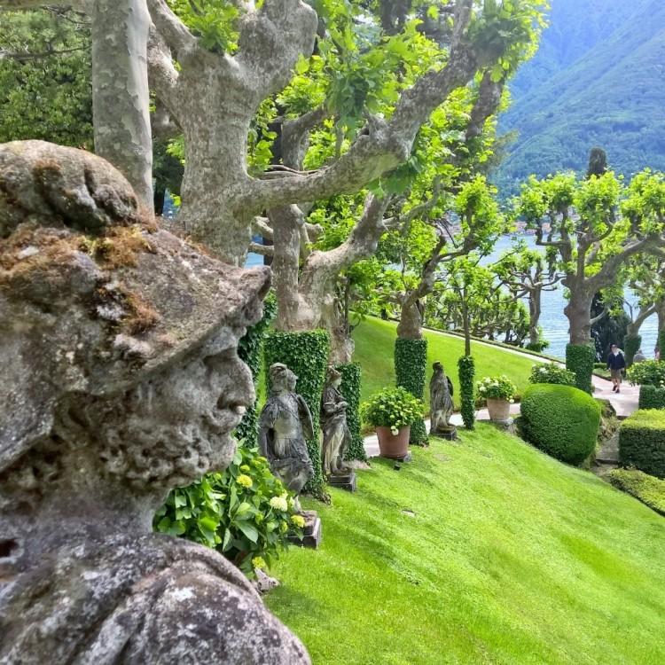 22.05.15 - Statu på Villa del Balbianello